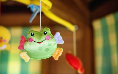 Le mobile, un jouet d'éveil pour votre enfant