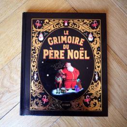 Livre : le grimoire du Père Noël